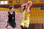O čtrnáct bodů prohráli královéhradečtí basketbalisté v Prostějově, kde má domácí útočiště tým BK Olomoucko. Na stejné palubovce sehrají také úvodní duel Kooperativa NBL.