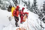 Hasiči mají za sebou kurz bezpečného pohybu na horách.