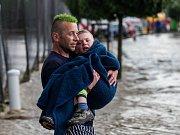 Blesková povodeň při hasičských závodech na Královéhradecku