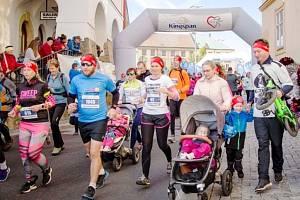 Přes šest set padesát účastníků bylo na startu letošního 4. Kingspan Běhu proti rakovině. Jedná se o nesoutěžní běh na pět kilometrů, kde hlavním mottem je podpora charity.