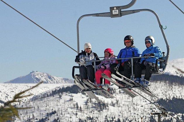 Ideální sněhové podmínky a krásné počasí čekalo na vyznavače zimních sportů  2. března v horském středisku Špindlerův Mlýn – Medvědín.
