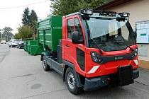 Automobil pro svoz bioodpadu ve Skalici.