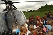Ukázka práce záchranářského vrtulníku