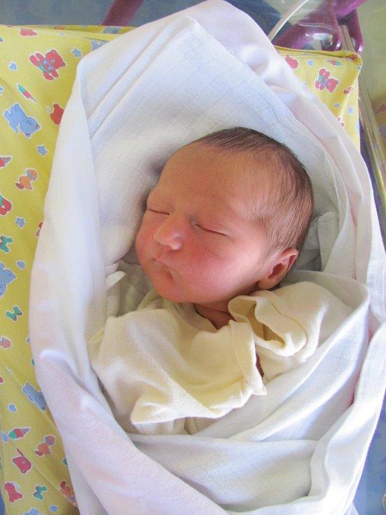 GABRIELA MARTINEZ TAPIA se narodila 13. března v 18.52 hodin. Měřila 52 cm a vážila 3170 g. Potěšila rodiče Janu Kuncovou a Daniela Martinez Tapia z Hradce Králové. Doma se na ni těší bratr Daniel.