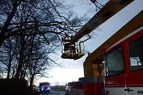 Zásah hasičů na Královéhradecku v souvislosti se silným větrem.