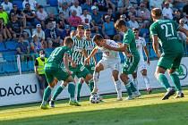 Hradečtí fotbalisté (v bílém) vstoupili do nejvyšší soutěže remízou 1:1 s pražskými Bohemians.