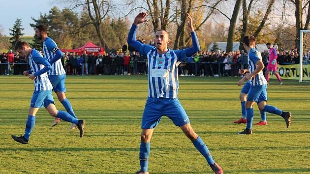 Jako proti Plzni se nejspíš Jan Labík z gólu neradoval, přesto každá trefa do černého rozhodně potěší. Chlumecký forvard v turnajovém mači proti Trutnovu skóroval ve 29. minutě.