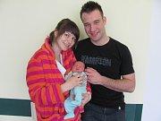 NATÁLIE KRATOCHVÍLOVÁ poprvé spatřila světlo světa 24. března ve 23.20 hodin. Po narození měřila 53 cm a vážila 3640 g. Svým příchodem na svět velice potěšila své rodiče Lenku a Viktora Kratochvílovy z Hradce Králové.