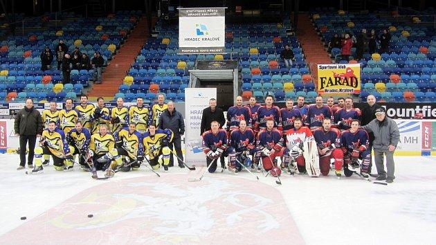 Hokejové setkání amatérských týmů Farad Cup na zimním stadionu vHradci Králové.