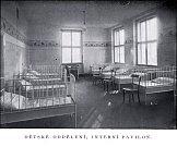 Péče o pacienta - dětské oddělení v minulosti.