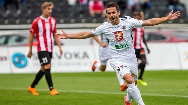 Fotbalová FORTUNA:NÁRODNÍ LIGA: FC Hradec Králové - FK Viktoria Žižkov.
