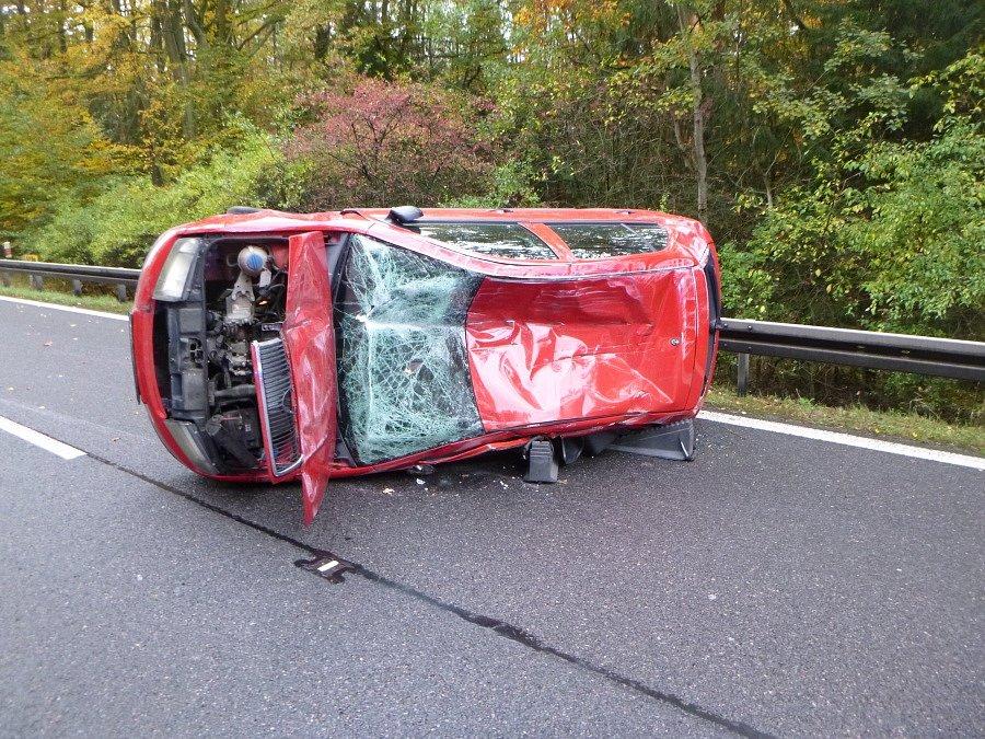 Nehoda zkomplikovala výjezd z Hradce Králové na Býšť.
