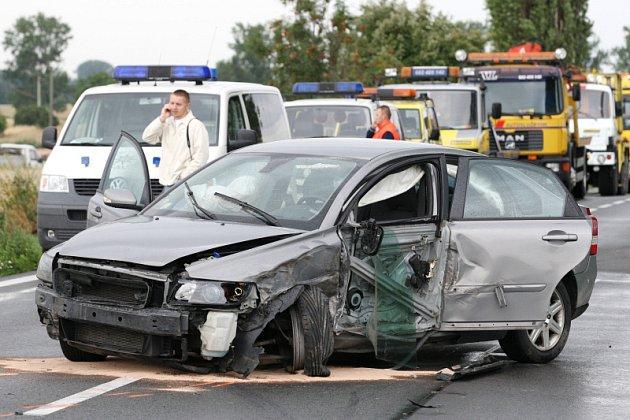 KOLIK LUBINA DOSTANE? Soud čeká bývalého hokejistu Ladislava Lubinu, který v červenci zavinil mezi Hradcem Králové a Jaroměří tragickou havárii. Zraněným poskytl první pomoc, pak ale utekl a na polici se přihlásil až po šesti hodinách.