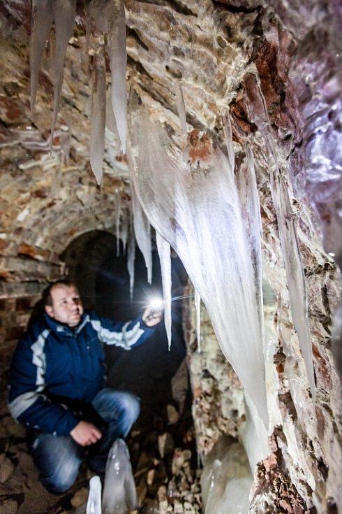 Josefovské podzemí a ledové záclony