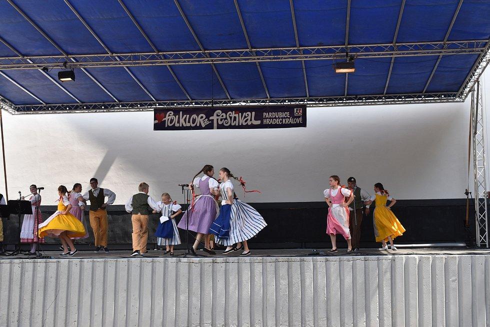 Folklorní festival v letním kině Širák.