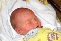 ELIŠKA HEJTMÁNKOVÁ se narodila 17. listopadu v 9.25 hodin. Měřila 53 centimetrů a vážila 3390 gramů. S rodiči Kateřinou a Lukášem Hejtmánkovými a bráškou Vašíkem bydlí v Hradci Králové.