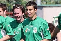 Hráč Olympie Petr Motyčka (vpravo).