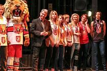 Párty hradeckých sportovců v kongresovém centru Aldis.
