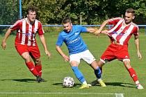 V duelu Chlumec B (v modrém) - Jaroměř zvítězil domácí tým 3:0.