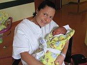 VÍT KOPÁČEK – Rodiče Alena a Jan Kopáčkovi  přivedli na svět syna. Kluk přišel na svět  8. října v 6.27 hodin. Po narození vážil 2,64 kilogramů a měřil 48 centimetrů.