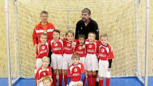 Halový fotbalový turnaj mladších přípravek ve Vysoké nad Labem - FC Slavia Hradec Králové.