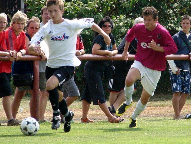 Fotbalisté při zápase