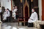 Mše za zesnulého Karla Otčenáška v katedrále svatého Ducha v Hradci Králové.
