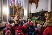 Vánočně vyzdobený Hrádek u Nechanic.