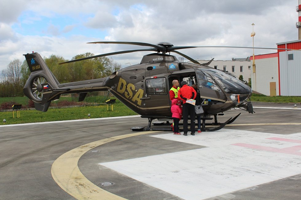 Den otevřených dveří na heliportu Letecké záchranné služby