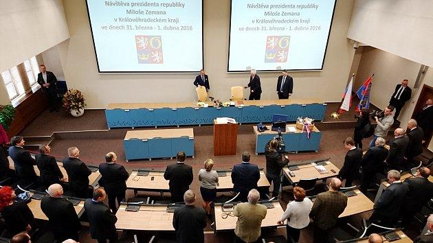 Prezident Miloš Zeman vsídle krajského úřadu.