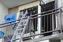 Požár odpadkového koše v bytě v hradecké Brožíkově ulici.