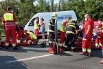 Dopravní nehoda osobního auta, dodávky a nákladního vozidla, silnice č. 33, Smiřice, Trotina.