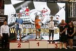 Z 1. mistrovství světa dětí a mládeže v řízení RC automobilů.