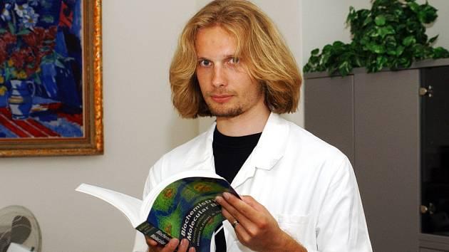 Student IV. ročníku hradecké Lékařské fakulty UK Stanislav John