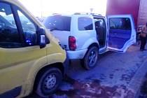U ČKD havarovalo osobní auto s nádrží plnou plynu.