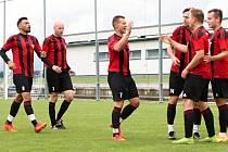 Fotbalisté Červeného Kostelce si na jaře zahrají čtvrtfinále krajského poháru.