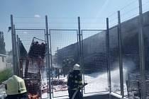 Požár skladu v Hradci Králové