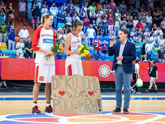 Mistrovství Evropy basketbalistek v Hradci Králové: České republika - Španělsko.