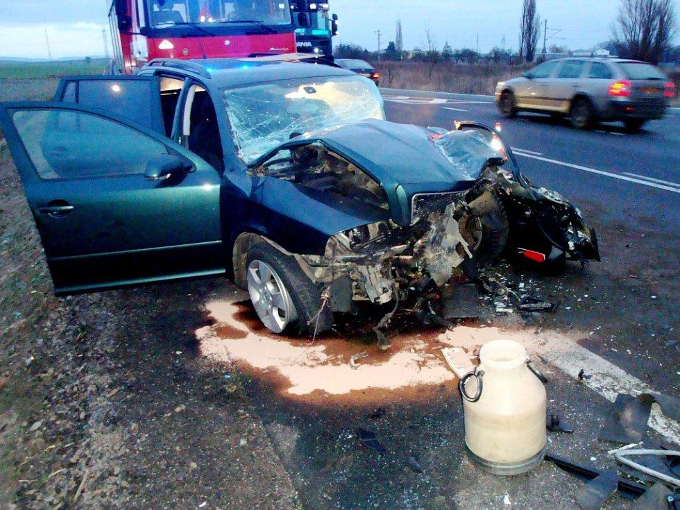 Dopravní nehoda u Černožic na Královéhradecku.