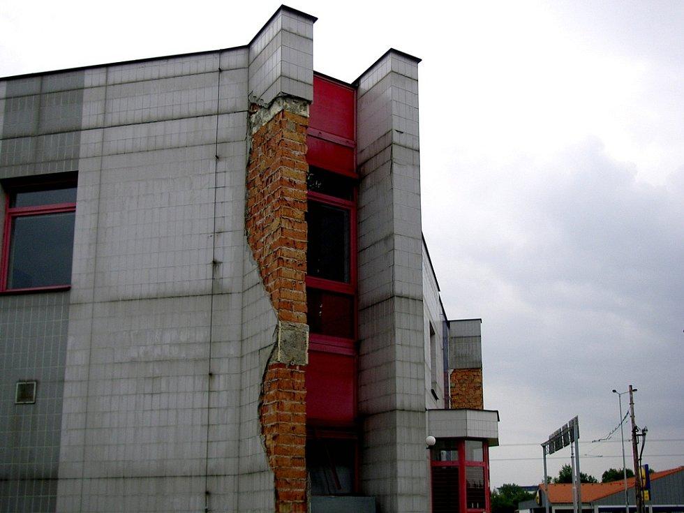 Telekomunikační budova, roh Brněnské a Palachovy, Moravské Předměstí