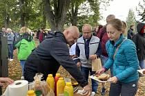 Královéhradecké dožínky se úspěšně vrátily do Šimkových sadů.