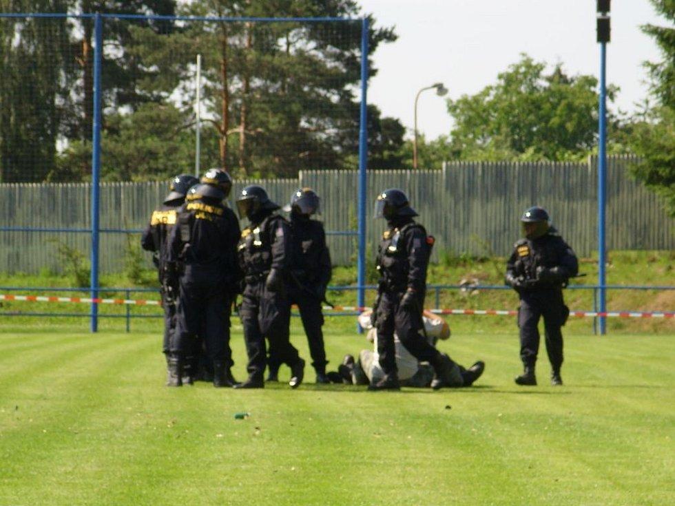 Ukázka nácviku pořádkové jednotky.