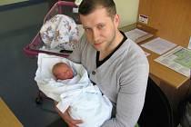 DOMINIK TICHÝ si poprvé zaplakal 29. března ve 20.27 hodin. Měřil 47 centimetrů, vážil 2730 gramů a radují se z něj maminka Lucie a tatínek Tomáš Hradce Králové.