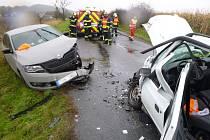Dopravní nehoda dvou osobních vozidel u Libníkovic.