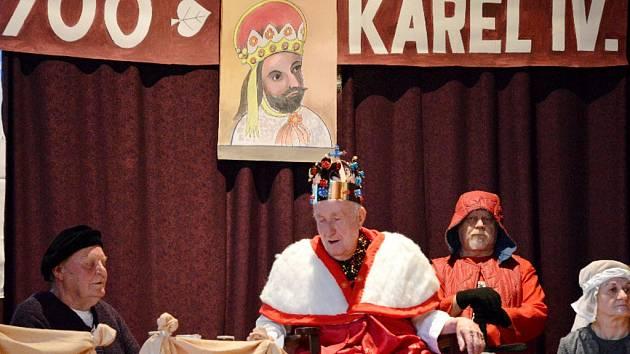 Pásmo o Karlu IV. v Dělnickém domě ve Skřivanech.