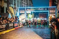 Běžecký závod Night Run Hradec Králové.