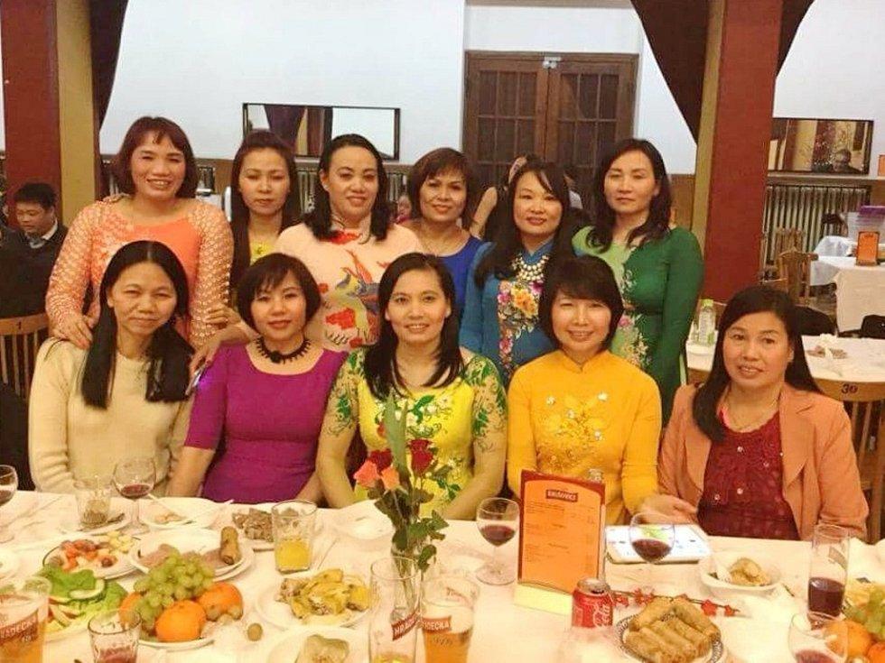 Oslava nového lunárního roku s Vietnamci v Hradci Králové.