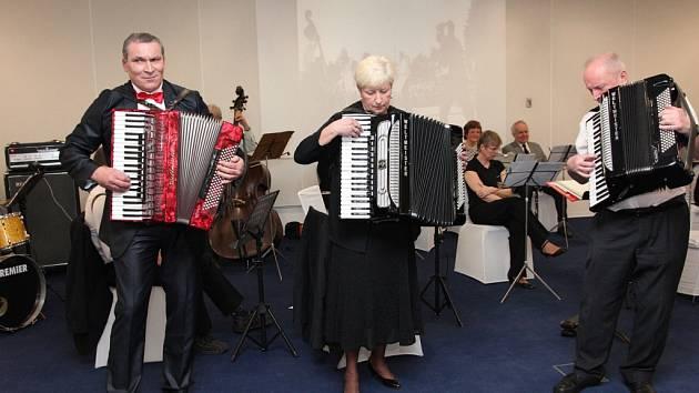 Poslední koncert orchestru Akordeon v hotelu Tereziánský dvůr v Hradci Králové.