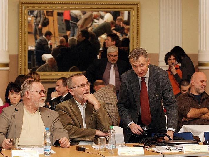 Zastupitelstvo na ustavujícím zasedání 30. listopadu 2010.