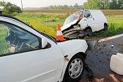 Dopravní nehoda dvou osobních vozidel u Černilova.